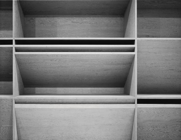 Donald Judd, untitled, 1980 (detail), plywood, 12 × 80 × 4 feet (3.7 × 24.4 × 1.2 m) © 2020 Judd Foundation/Artists Rights Society (ARS), New York. Photo: Glenn Steigelman, courtesy Castelli Gallery, New York