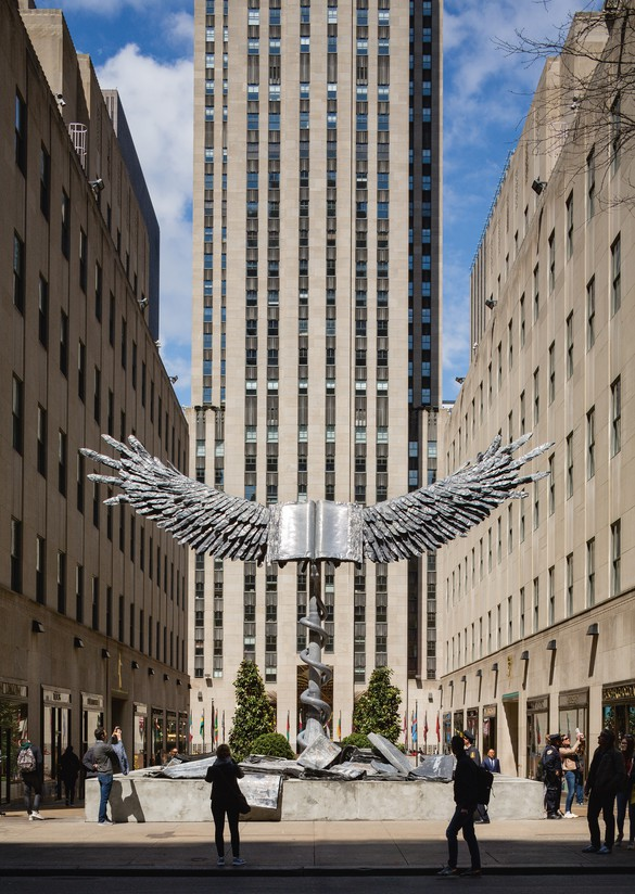 Anselm Kiefer, Uraeus, 2017–18, lead and stainless steel, 298 × 441 × 346 ½ inches (7.57 × 11.2 × 8.8 m). Photo: Nicholas Knight
