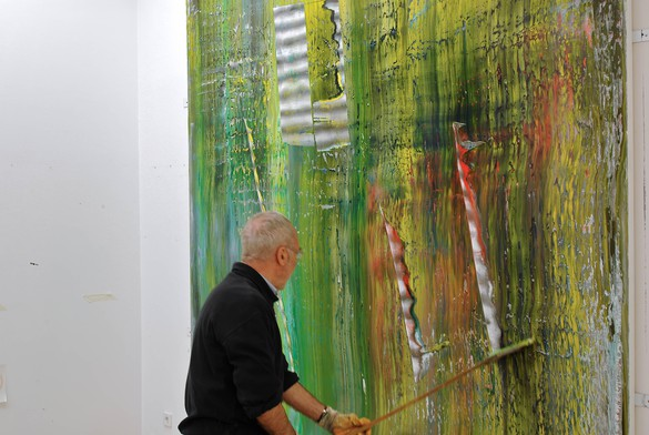 Gerhard Richter working on one of his Cage paintings, Cologne, Germany, 2006. Artwork © Gerhard Richter 2020 (05102020). Photo: © Hubert Becker