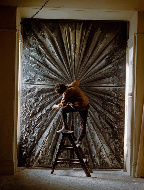 Jay DeFeo working on The Rose (then titled Deathrose; 1958–66) in her San Francisco studio, 1960. Photo: Burt Glinn © Burt Glinn/Magnum Photos, New York