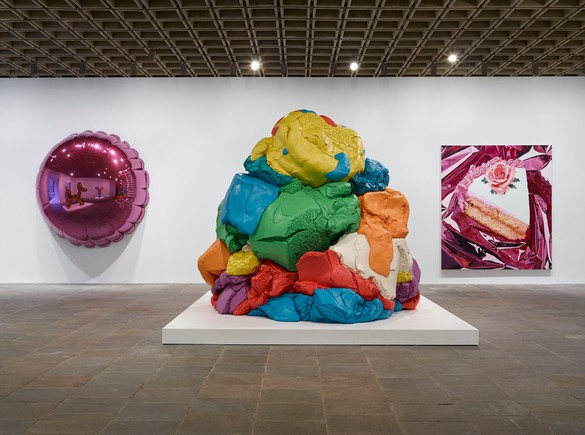 Installation view, Jeff Koons: A Retrospective, Whitney Museum of American Art, June 27–October 19, 2014