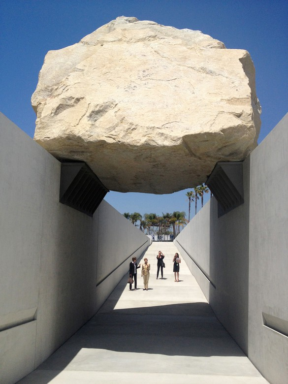 Michael Heizer, Levitated Mass, 2012, Los Angeles County Museum of Art © Michael Heizer