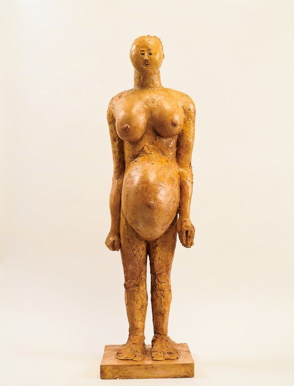 Pablo Picasso,La femme enceinte, 1959, plaster, height: 43 ½ inches (110 cm). Photo by Rob McKeever
