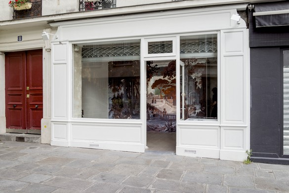 Installation view, Rachel Feinstein: Wall of Rome, Le Mur, Paris, June 1–July 29, 2017.